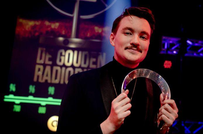 Bram Krikke (SLAM!) met de Zilveren RadioSter Man tijdens het Gouden RadioRing Gala.