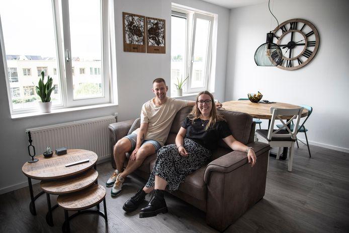 Ilse van den Biggelaar en Nick Theloosen in hun nieuwe woning