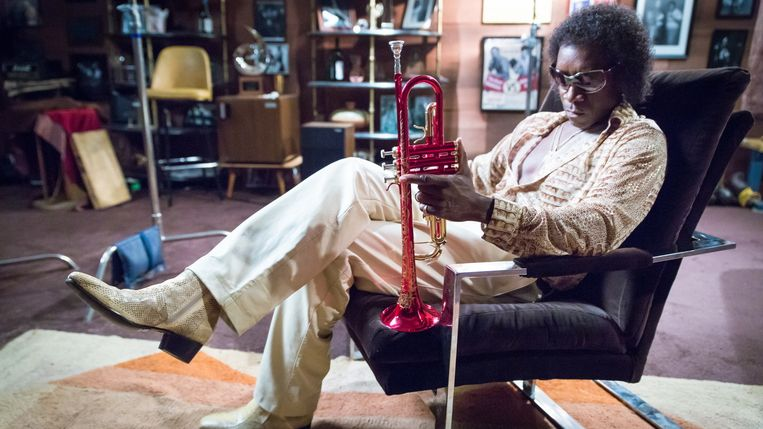 Don Cheadle als Miles Davis in 'Miles Ahead'. Beeld