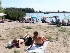 Hardinxveldse strandjes gaan 's avonds weer open, maar extra toezicht blijft voorlopig