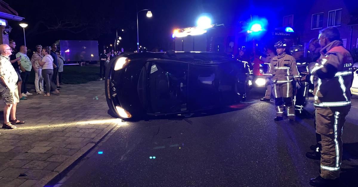Automobilist heeft engeltje op schouder bij eenzijdig ongeval in Almelo.