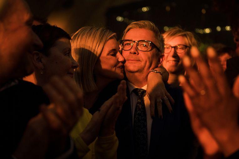 Kris Van Dijck kreeg tijdens de nieuwjaarsreceptie van N-VA een groot applaus. Beeld Tim Coppens