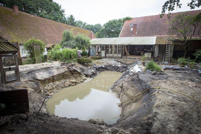 Op het erf van een boerderij aan de Boerweg in Nordhorn werd het lichaam van Amsterdammer Juan Antonio Alvarez gevonden.