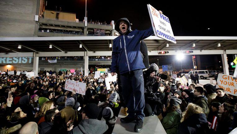 Protest tegen het inreisverbod van Donald Trump op JFK-airport. Beeld anp