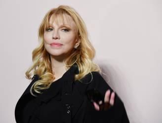 """Courtney Love woedend over Pamela Anderson-serie: """"Ze loopt opnieuw een trauma op"""""""
