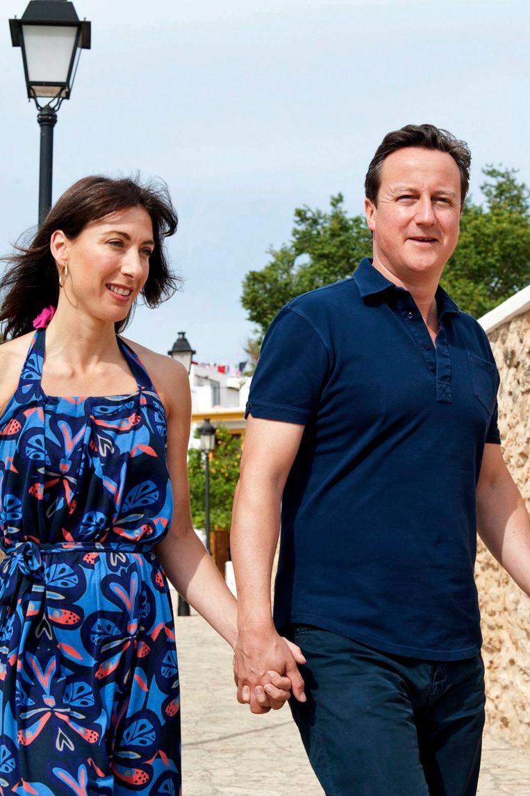 Premier Cameron en zijn vrouw Samantha. Beeld EPA