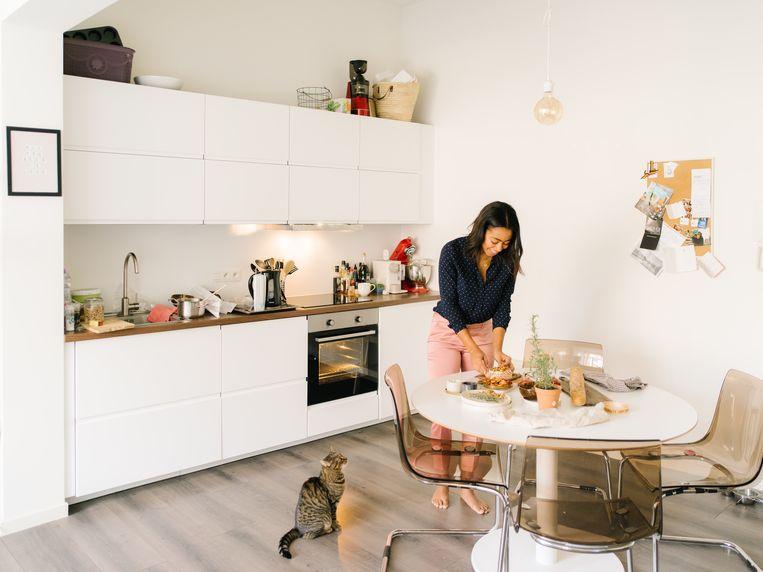 Helen Verhelst: 'Kies iets dat je al eerder hebt klaargemaakt en werk het gerecht af met een feestelijke toets of persoonlijke twist.' Beeld Kevin Faingnaert