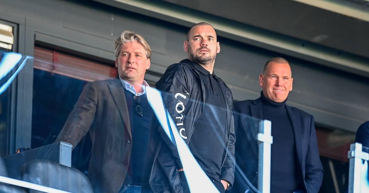 'Wesley Sneijder mag voor straf geen stadion binnen, maar wie heeft de moed hem tegen te houden?' - BD.nl