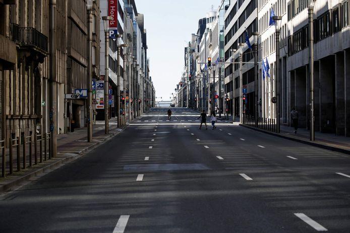 De haast geheel verlaten Wetstraat op 5 april, pal in de eerste lockdown.