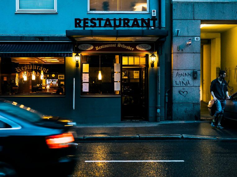 Restaurant Schröder, waar Harry Hole vaak at Beeld Marcel Wogram / de Volkskrant