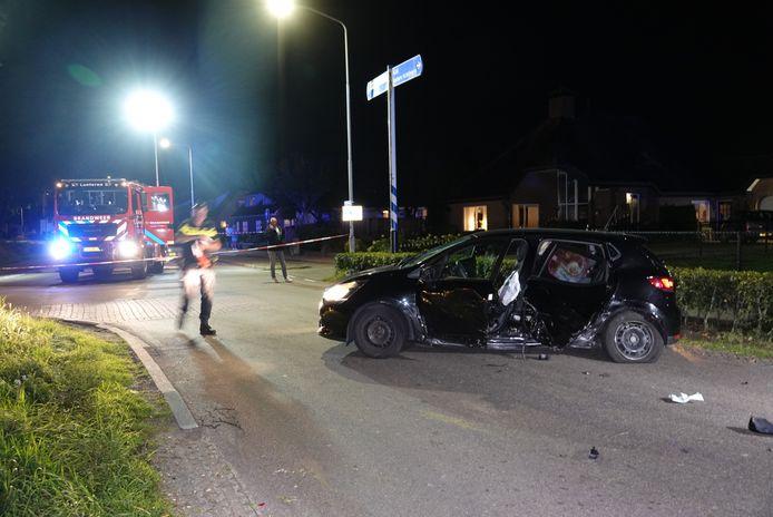 Een van de drie auto's die bij het ongeluk betrokken waren.