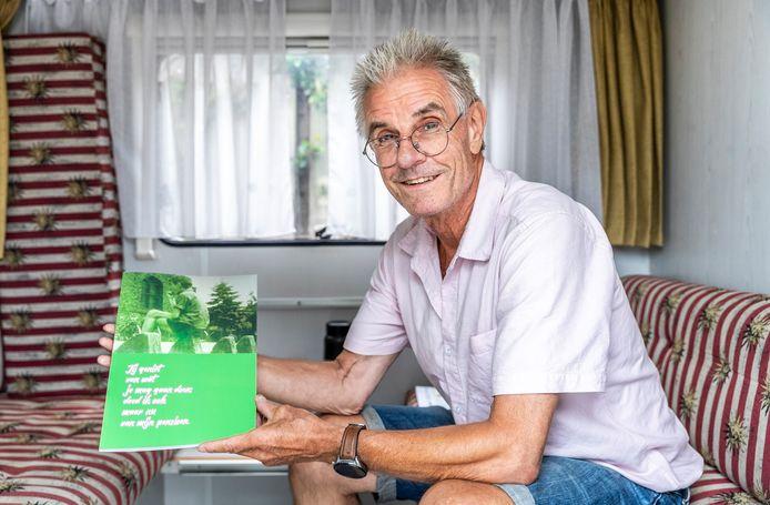 Kees van den Groenendaal heeft een boek geschreven over zijn jaren in het onderwijs.