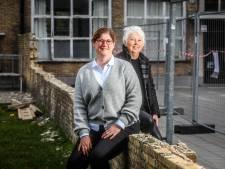 """Na 64 jaar gaat in Brugse basisschool muur tussen jongens en meisjes tegen de vlakte: """"We gooiden stiekem vliegertjes. Maar als we ontdekt werden, mochten we het gaan uitleggen"""""""