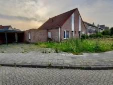 Huurhuis Rossum onbewoond en tuin verwaarloosd, maar de huur komt binnen...