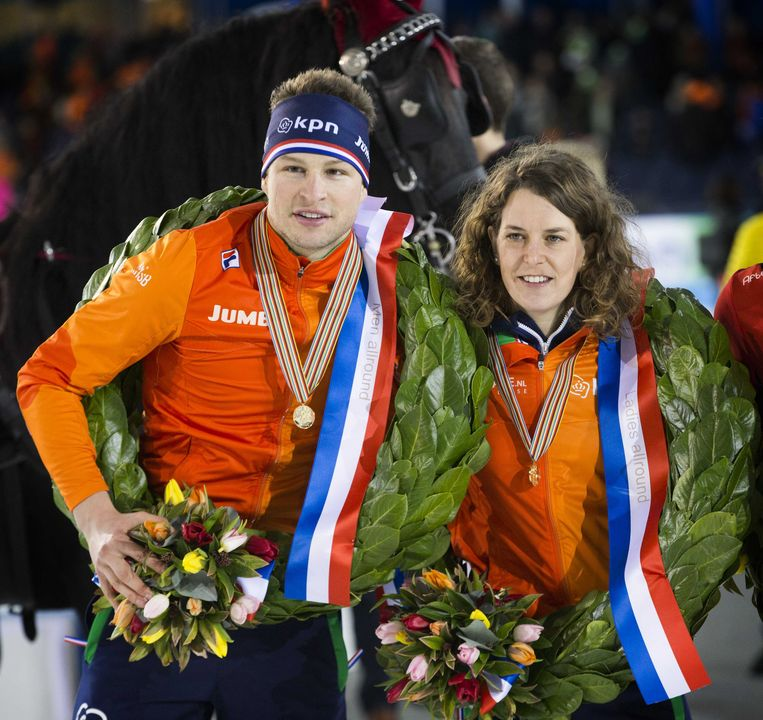 Sven Kramer en Ireen Wust tijdens de huldiging van het EK Allround en Sprint in 2017. Beeld ANP