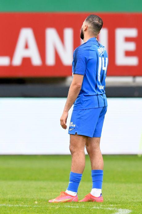 Vitesse met billenknijpen Europa in: Zenuwslopend gelijkspel bij Fortuna genoeg voor vierde plek in eredivisie