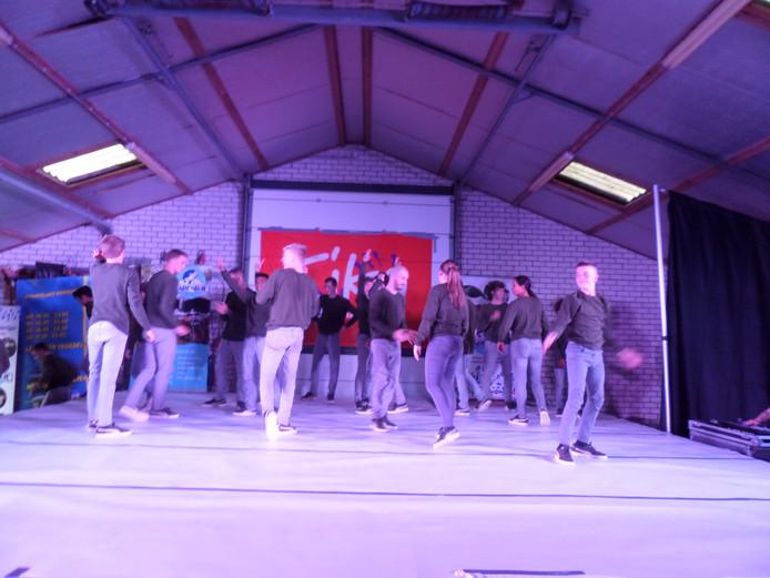 Breakdancegroep BreakSquad verrast het publiek in Andel