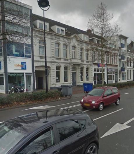 Agressieve man dringt zich met mes op aan Tilburgse studenten: 'Ik ben voortaan jullie drugsdealer'
