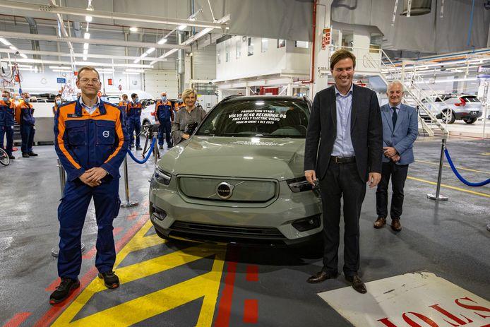 Op 1 oktober rolde de eerste elektrische XC40 van de band, onder toeziend oog van Volvo Car Group director Stefan Fesser, Vlaams minister van Werk Hilde Crevits, burgemeester Mathias De Clercq and Volvo Car Group managing director Wim Maes.