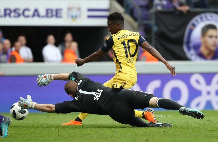 Diaby zag zijn goal op Anderlecht afgekeurd na tussenkomst van de VAR.