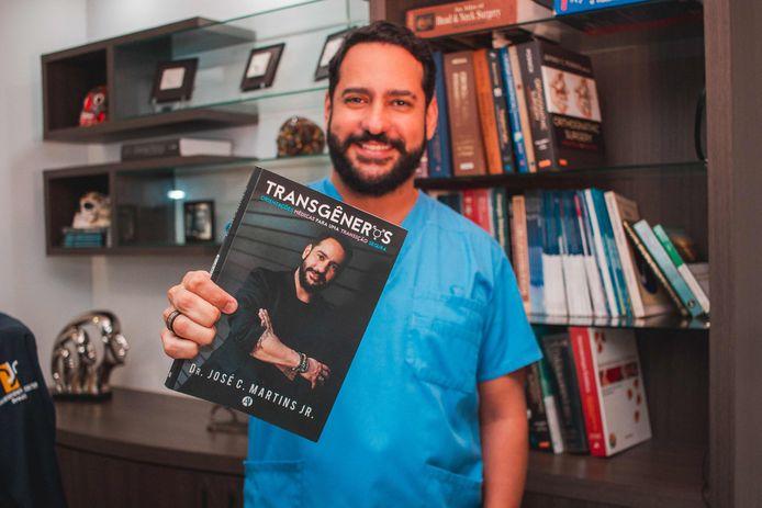 De operatie werd uitgevoerd door chirurg Jose Martins.