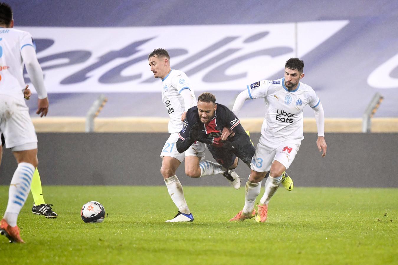Gisteren kreeg Álvaro González geel voor een overtreding op Neymar.