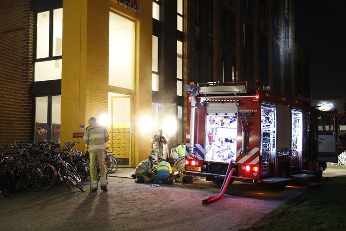 De brand vond plaats op het Talentenplein in Zwolle. De zwaargewonden man is overgebracht naar het ziekenhuis en later naar het brandwondencentrum in Beverwijk.