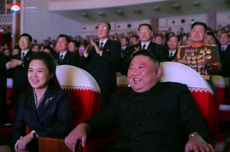 'President' Kim Jong-Un met zijn 'first lady' Ri Sol Ju. Beeld via REUTERS