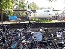 Met de fiets naar het vliegtuig in Hoogerheide