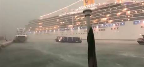 Un bateau de croisière frôle l'accident à Venise