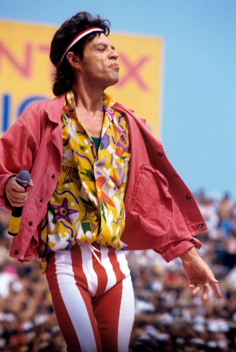 Mick Jagger in een gestreepte legging, 1982.  Beeld Mondadori via Getty Images