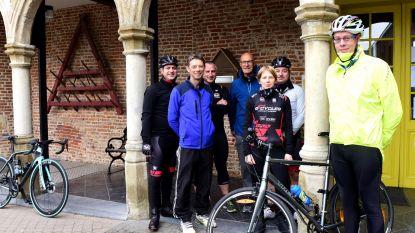 """Dimitri daagt als enige op voor 'Start to Bike' in Galmaarden: """"Vijf personal trainers voor mij alleen!"""""""