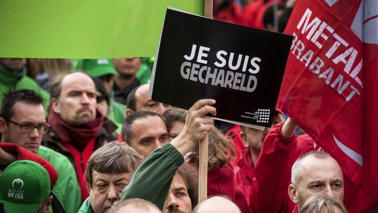 Een militantenconcentatie van het gemeenschappelijk vakbondsfront ABVV betoogt op het Muntplein in Brussel.