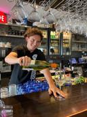 Jop van der Avert hier aan het werk bij restaurant Saus in Bergen op Zoom.