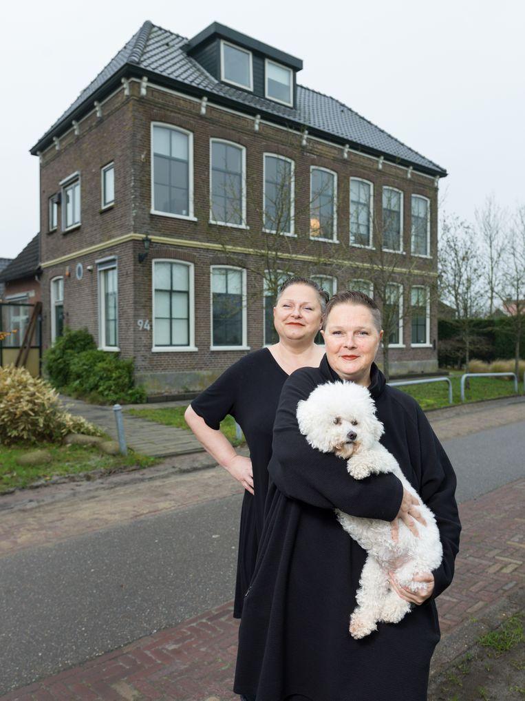Lizette Smit: 'Als je hier 's nachts je raam opengooit, hoor je helemaal niks.' Beeld Ivo van der Bent