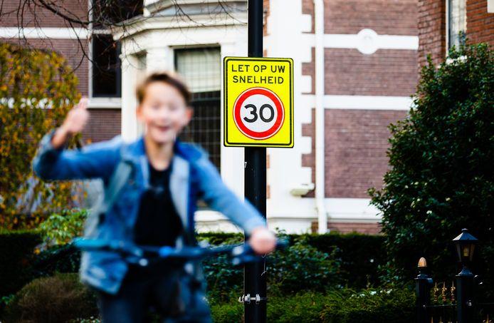 Dertig kilometer per uur wordt straks de standaard in Dordrecht.