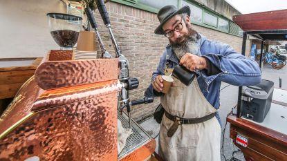 """Koffiezaak Kaffie en danscafé De Vage Belofte hebben nieuwe uitbaters: """"Deze kans konden we niet laten liggen"""""""