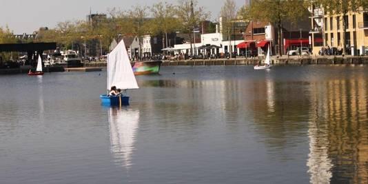Zeilen op de Piushaven.