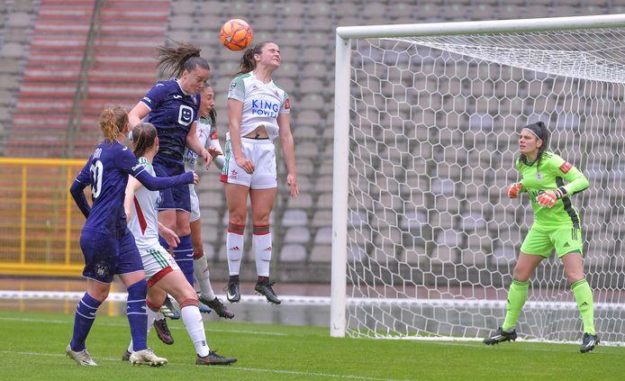 """Keepster Louise Van Den Bergh: """"Het is en blijft Anderlecht. 2-0 verliezen tegen hen is geen grote schande."""""""