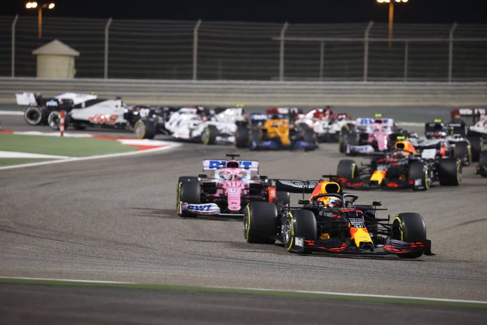 Max Verstappen in actie in Bahrein.