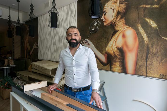 Khaled Mejlawi start een bakkerij naast restaurant Yalla Yalla waar hij werkzaam is in de Postelstraat.