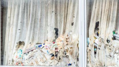 """Buurtbewoners opgelucht dat 'vuilste huis van Gent' wordt opgekuist: """"Nette man, maar ik heb hem nooit vuilniszak zien buitenzetten"""""""