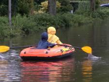 Water in ondergelopen straten Dalfsen niet schoon: 'Ga er niet in spelen'