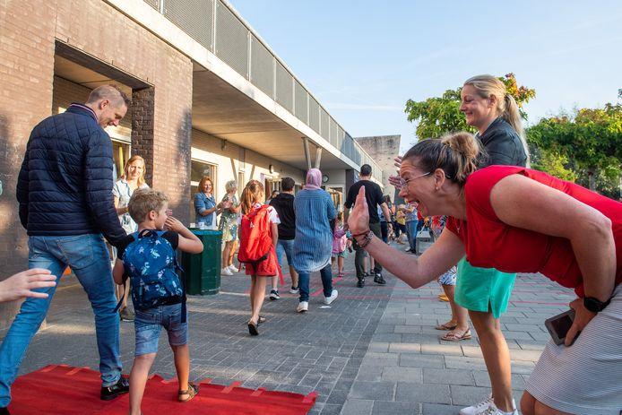 Basisschool De Arenberg heeft het nieuwe schooljaar feestelijk geopend.