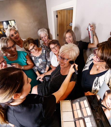 Tien vrouwen al veertig jaar hecht clubje: 'Je kunt gewoon niet meer zonder vriendinnen'