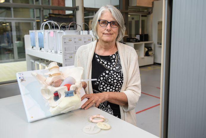 Karin van Beurden, lector Industrial Design, vertrekt. Ze heeft uitgesproken ideeën over design voor vrouwen.