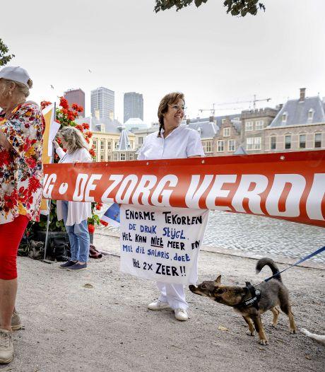 FNV slaat alarm: zorg- en welzijnssector loopt snel leeg door corona, stakingen dreigen
