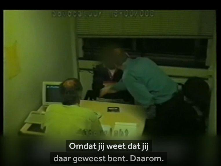 Uit De villamoord, een documentaire over de Arnhemse moordzaak. Beeld