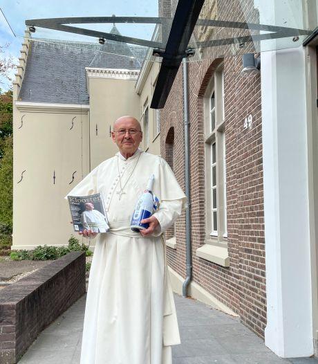 900-jarige norbertijnen van de Abdij van Berne presenteren glossy en jubileumbier in Heeswijk-Dinther