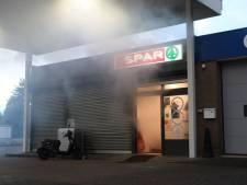 Even schrikken bij tankstation in Boxtel: geen brand, slechts rook